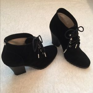 🦋Michael Kors Black Suede Ankle Booties🦋